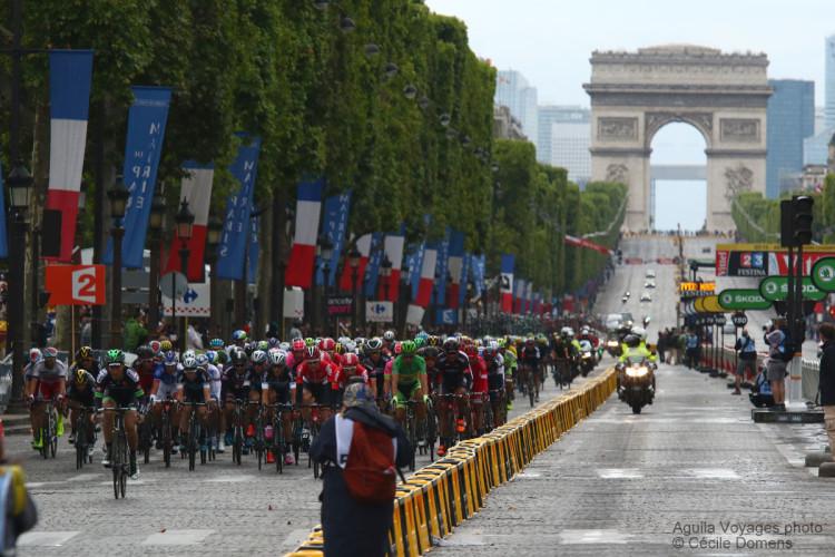 Aguila-Tour_de_France_Paris (1)